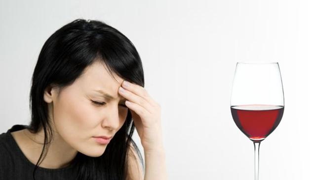 Аллергия на вино: причины возникновения негативной реакции и имеющиеся аллергены, народные средства и способы терапии