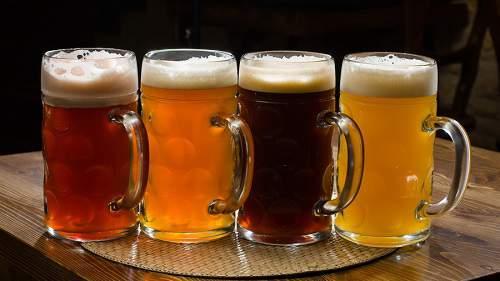Крепкое темное пиво, чем оно отличается от светлого пенного напитка