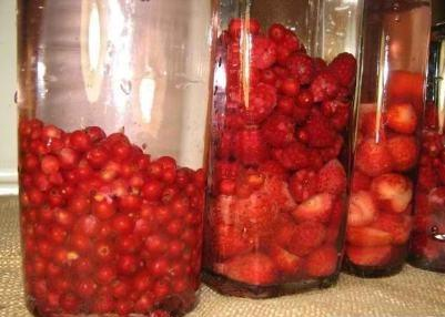 Настойка самогона на ягодах - Настоечки