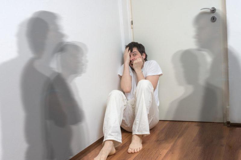 Алкогольный галлюциноз или расстройства психики алкоголиков